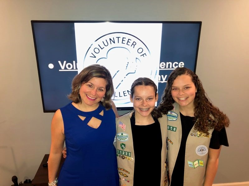 troop-mom-with-girl-scouts